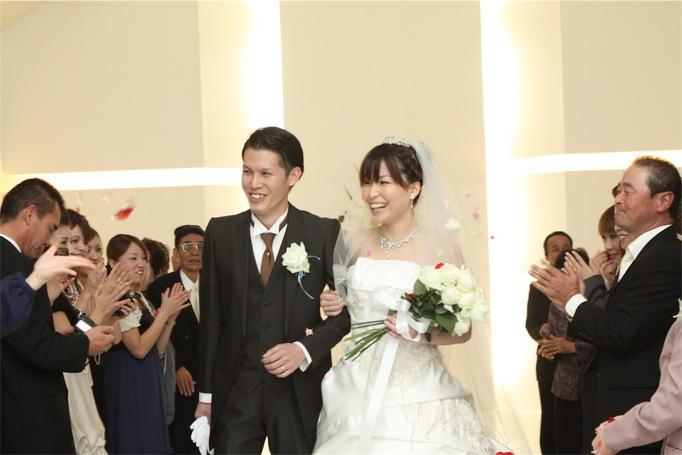 オリジナルの人前式やおもてなしにこだわり心温まる結婚式♥になりました