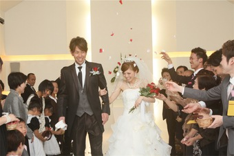サプライズや余興が盛りだくさんあり内容充実の結婚式になりました